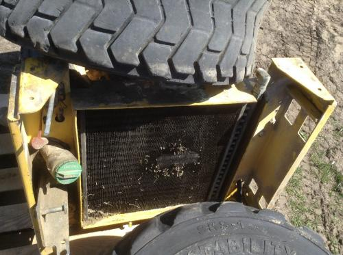 2006 New Holland L185  Radiator Support