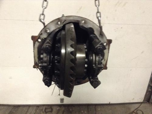 Meritor RS17145 Rear Differential/Carrier | Ratio: 3.90 | Cast# 3200r1864